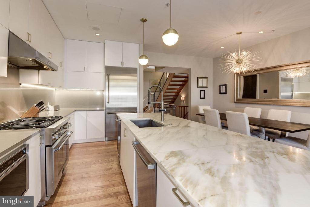 Kitchen - 624-1 8TH ST NE #201, WASHINGTON