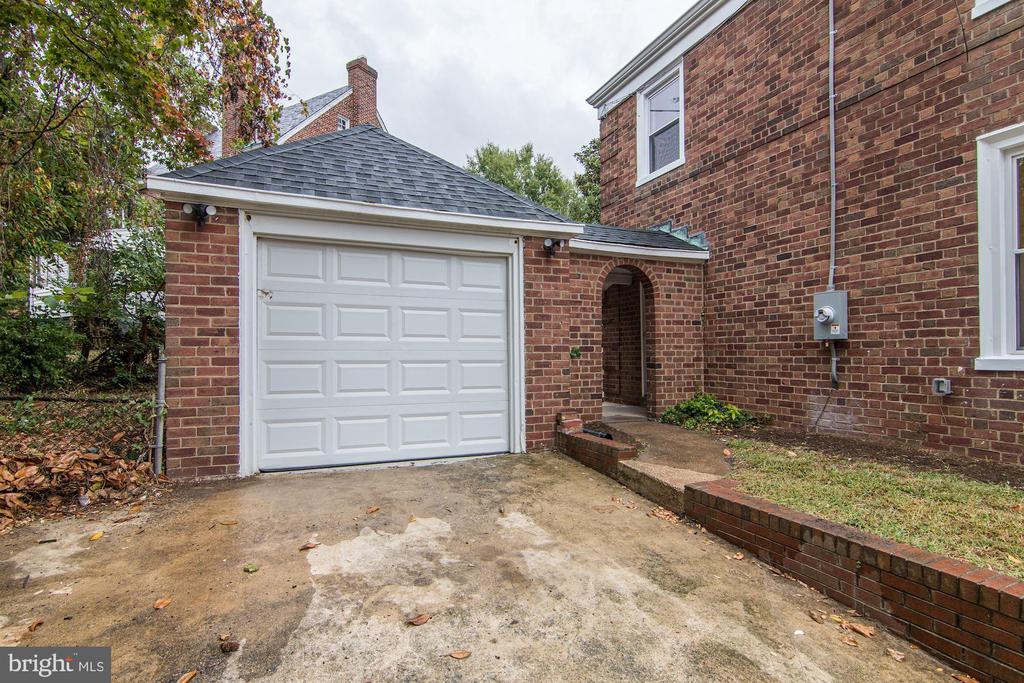 Exterior - Garage - 1810 RANDOLPH ST NE, WASHINGTON