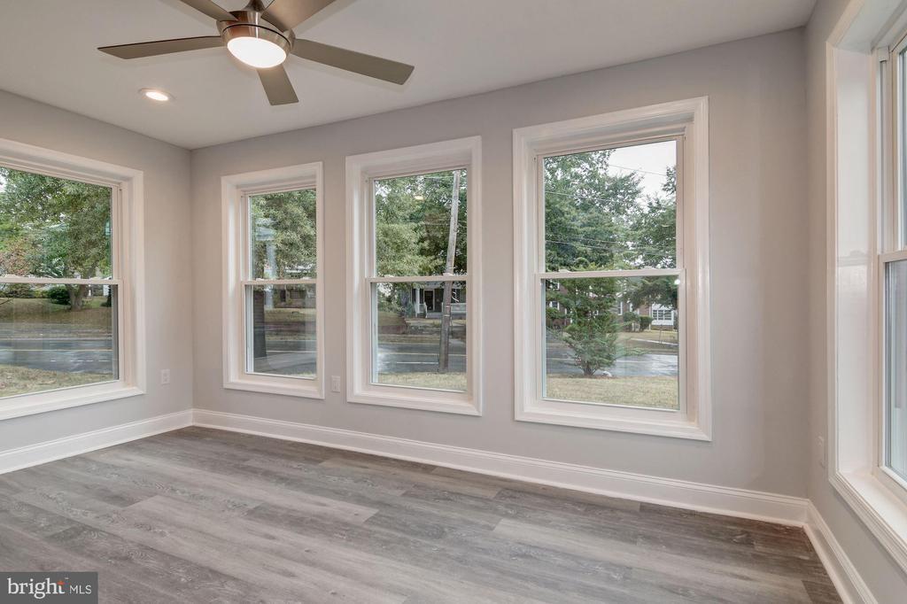 Sunroom off Living Room - 1810 RANDOLPH ST NE, WASHINGTON