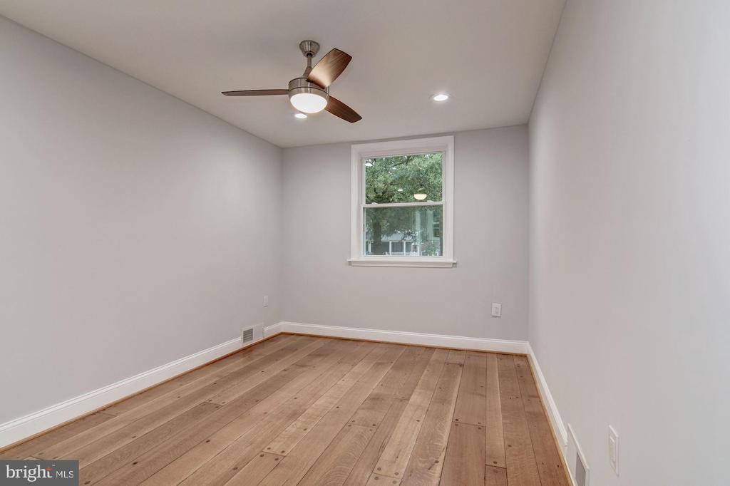 Main Level Master Suite - 1810 RANDOLPH ST NE, WASHINGTON