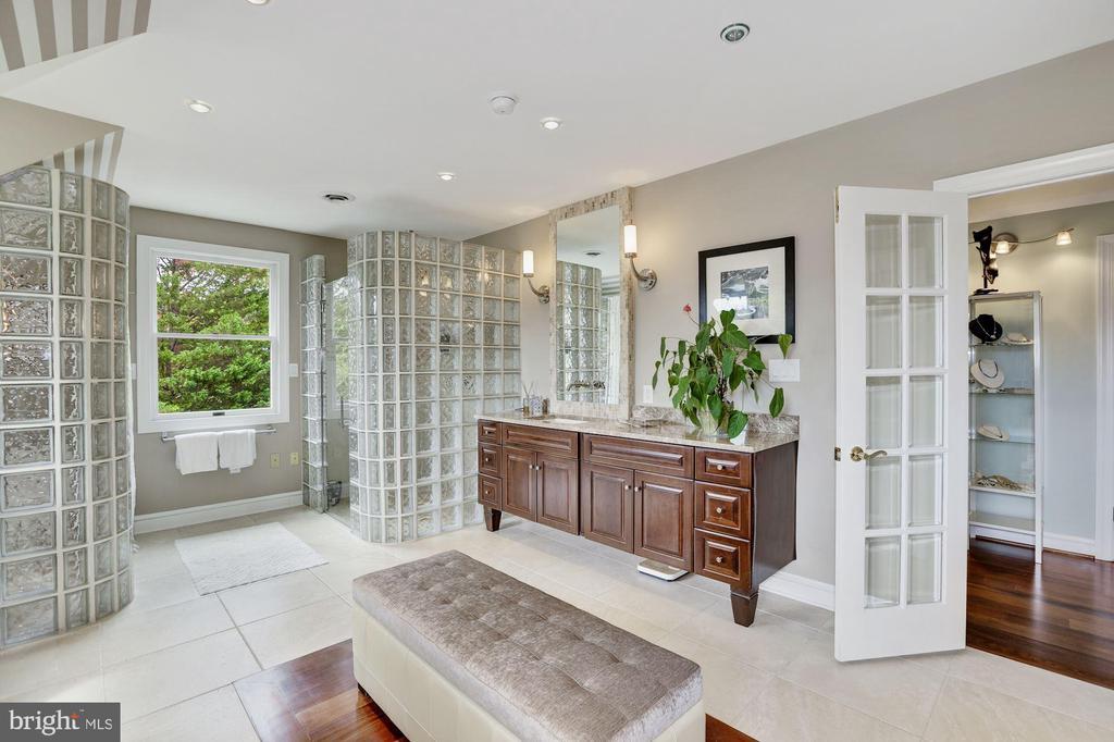 Furniture-styled Vainitis, sconces & Decorative Mi - 12580 HALL SHOP RD, FULTON