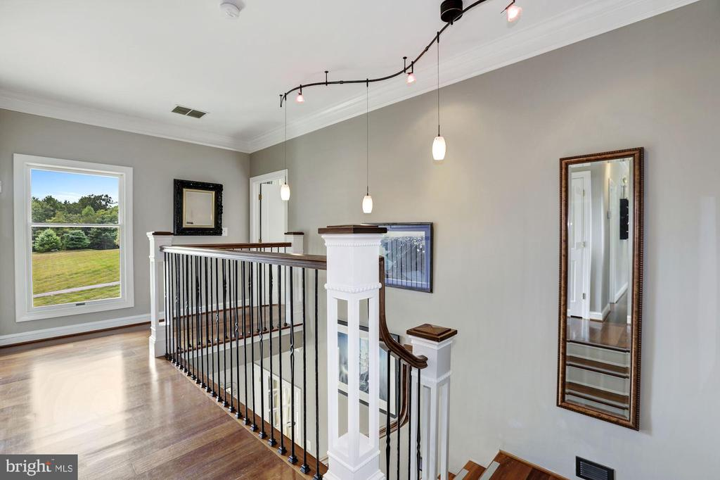 Open, Winding Stair & Landing - 12580 HALL SHOP RD, FULTON