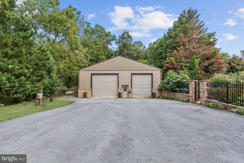 Detached Garage, Sport Court or Barn - 12580 HALL SHOP RD, FULTON