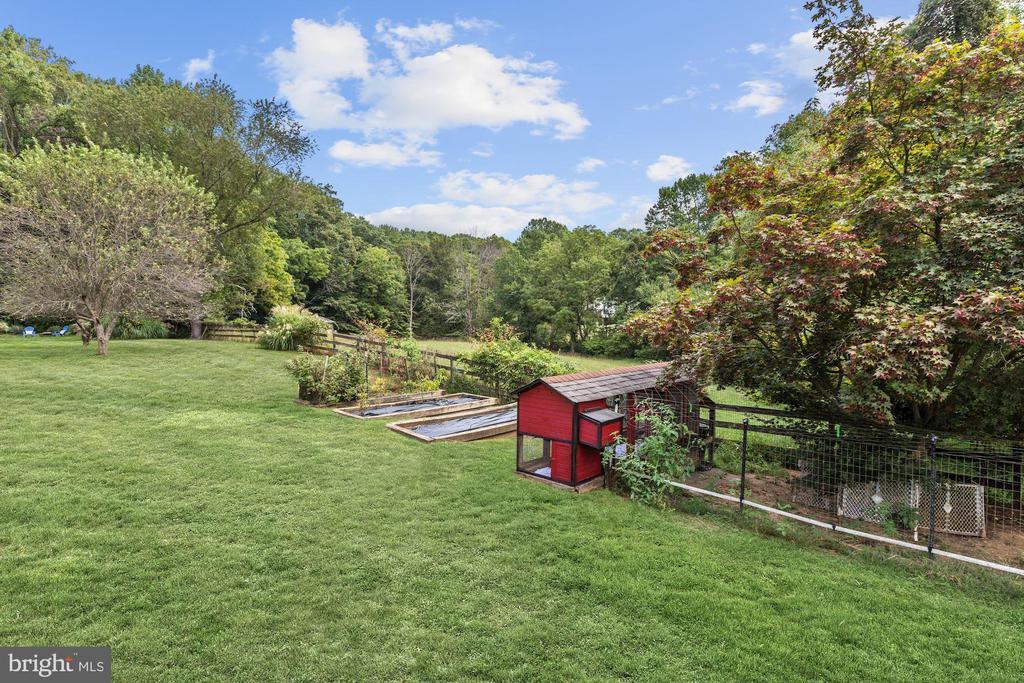 Side Vegetable Garden & Chicken Coop - 12580 HALL SHOP RD, FULTON
