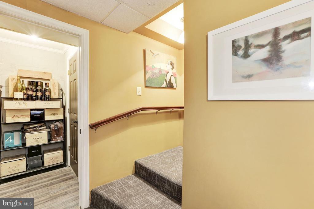 Stair Landing & Wine Room - 12580 HALL SHOP RD, FULTON