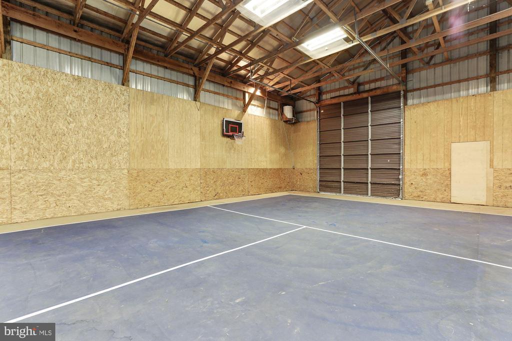 Secondary Rear Garage Service Door - 12580 HALL SHOP RD, FULTON