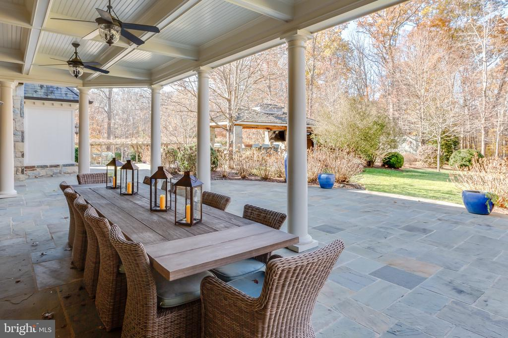 Covered Terrace - 8548-A GEORGETOWN PIKE, MCLEAN