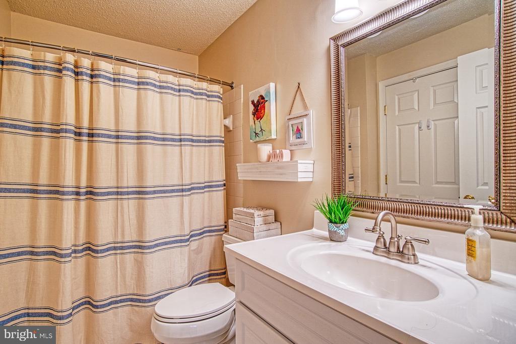 Second Full Bathroom with Tub/Shower - 12004 GOLF RIDGE CT #302, FAIRFAX