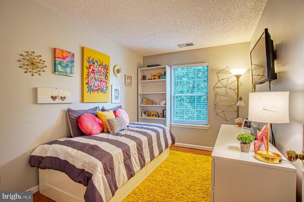Darling Second Bedroom - 12004 GOLF RIDGE CT #302, FAIRFAX
