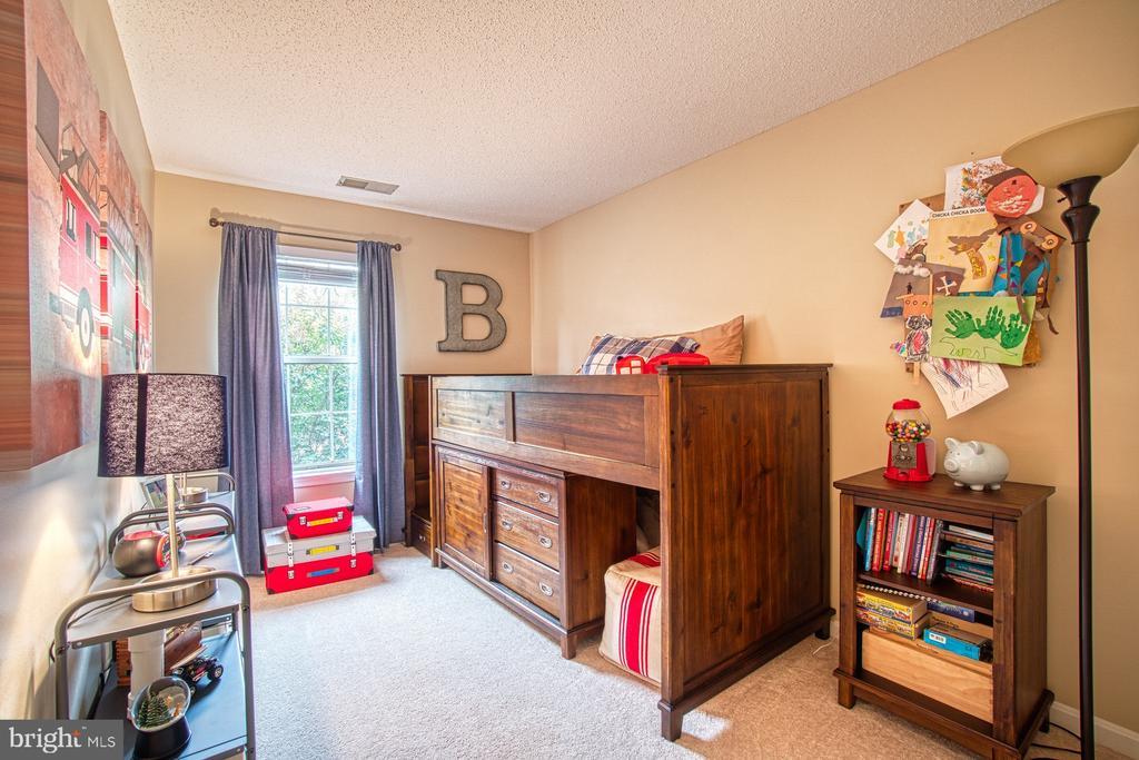 Large Third Bedroom - 12004 GOLF RIDGE CT #302, FAIRFAX