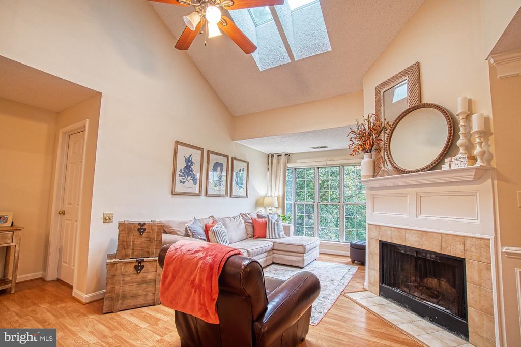 Beautiful Living Room with Cozy Fireplace - 12004 GOLF RIDGE CT #302, FAIRFAX