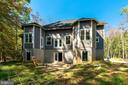 Walk-out with a great backyard - 6040 BARBERRY TRL, LORTON
