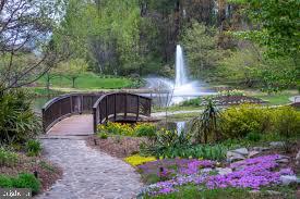 Meadowlark Park - 1440 ROSEWOOD HILL DR, VIENNA