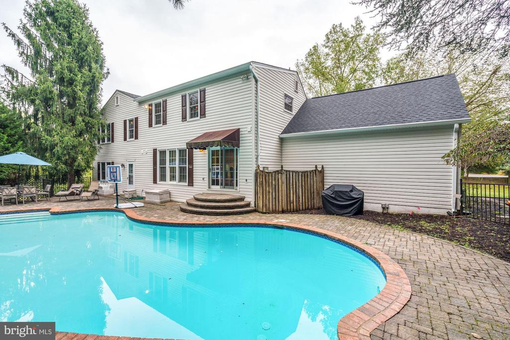Rear Exterior and Pool - 1440 ROSEWOOD HILL DR, VIENNA