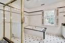 Full Hall Bath - 1440 ROSEWOOD HILL DR, VIENNA