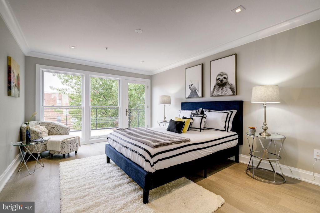 2nd floor master bedroom - 2560 UNIVERSITY PL NW #PH, WASHINGTON