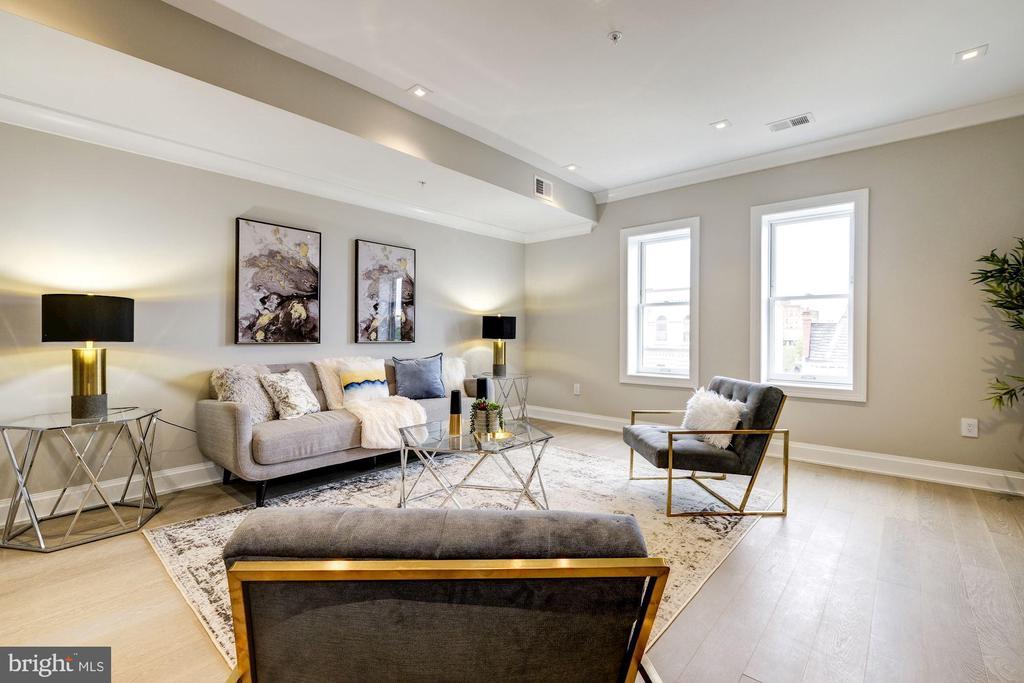 View of living room - 2560 UNIVERSITY PL NW #PH, WASHINGTON