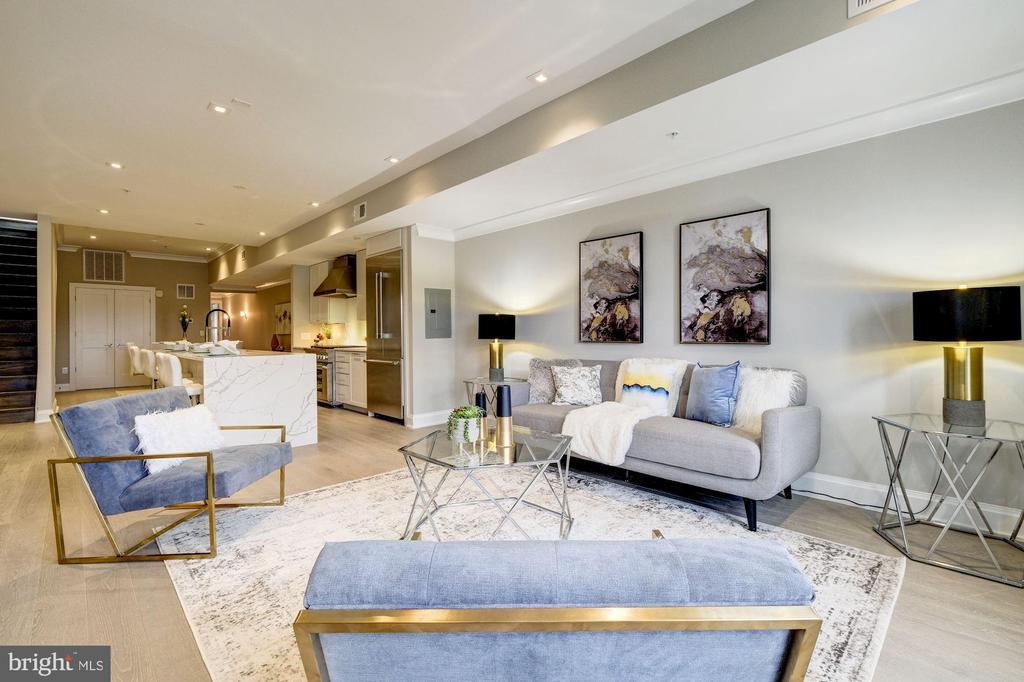 Living room - 2560 UNIVERSITY PL NW #PH, WASHINGTON