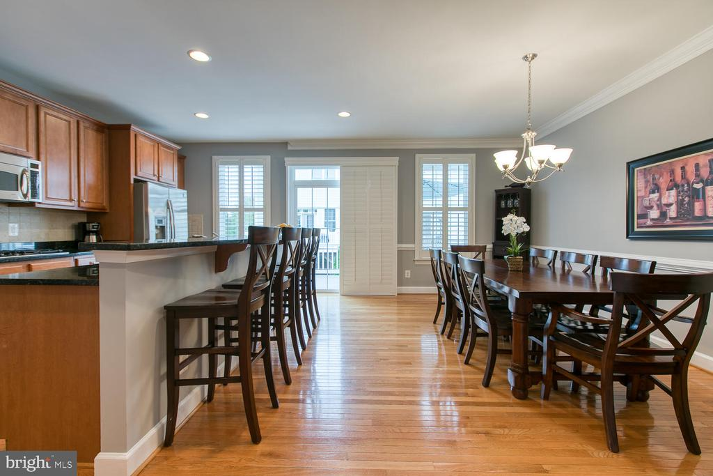Open kitchen and dining! - 122 QUIETWALK LN, HERNDON
