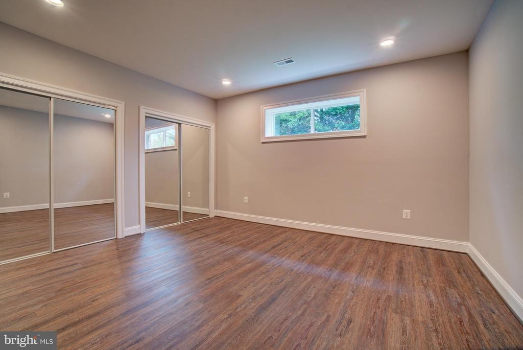 Flex Room (Model Photo) - 822 18TH ST S, ARLINGTON