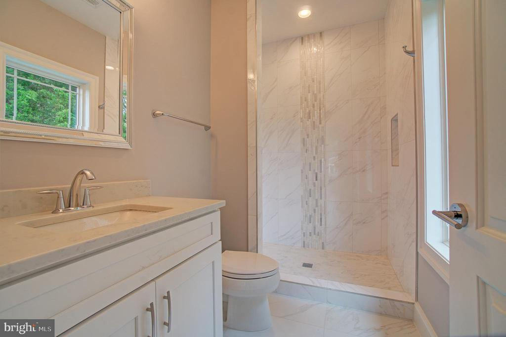 Bathroom (Model Photo) - 822 18TH ST S, ARLINGTON