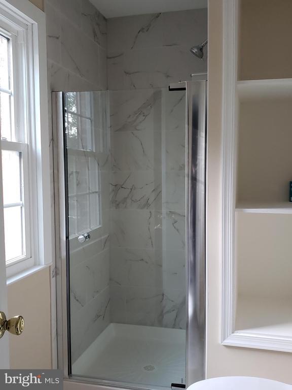 New additional Bath room (Master bedroom) - 2775 KNOLLSIDE LN, VIENNA