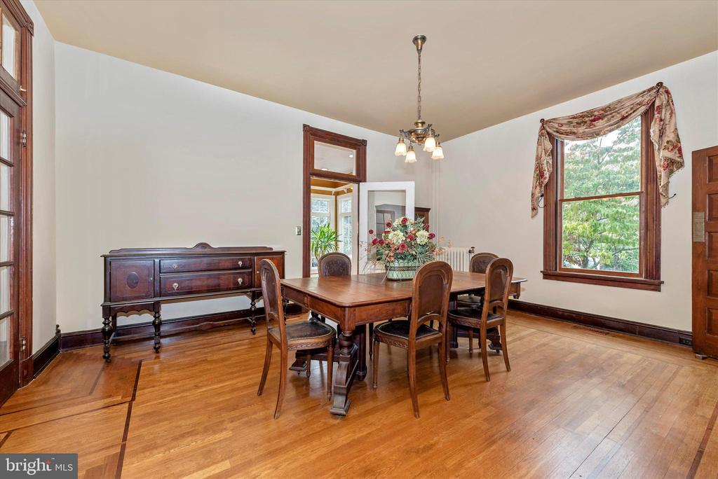 Spacious Dining Room - 216 E MAIN ST, MIDDLETOWN