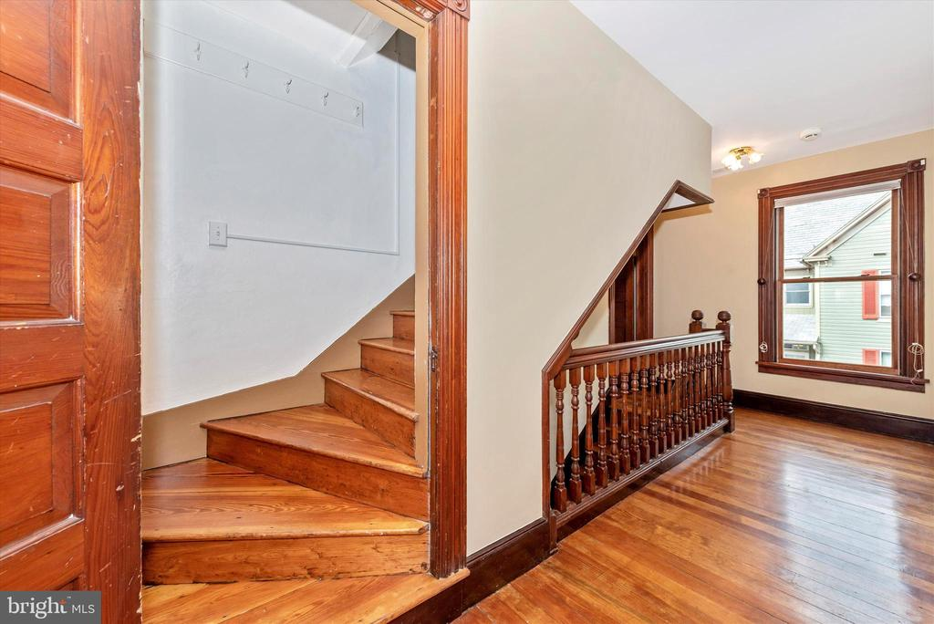 Stairs Leading to 3rd Level - 216 E MAIN ST, MIDDLETOWN