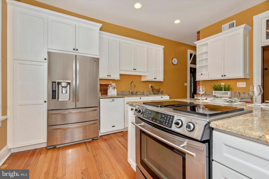 Stainless Steel Appliances - 216 E MAIN ST, MIDDLETOWN