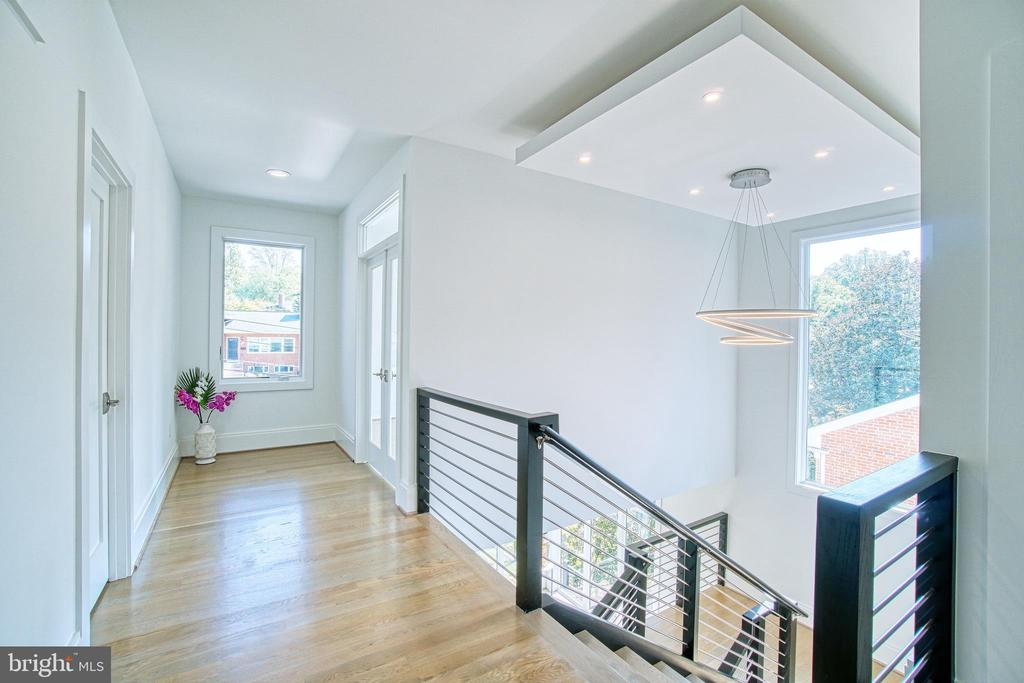 Tons of Natural Light Permeate Throughout - 4531 40TH ST N, ARLINGTON