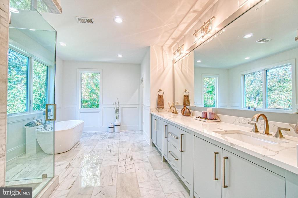 Spa Like Master Bathroom - 4531 40TH ST N, ARLINGTON