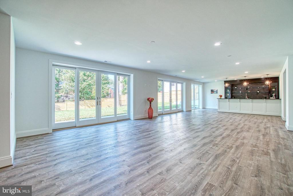 Perfect Space for Entertaining - 4531 40TH ST N, ARLINGTON