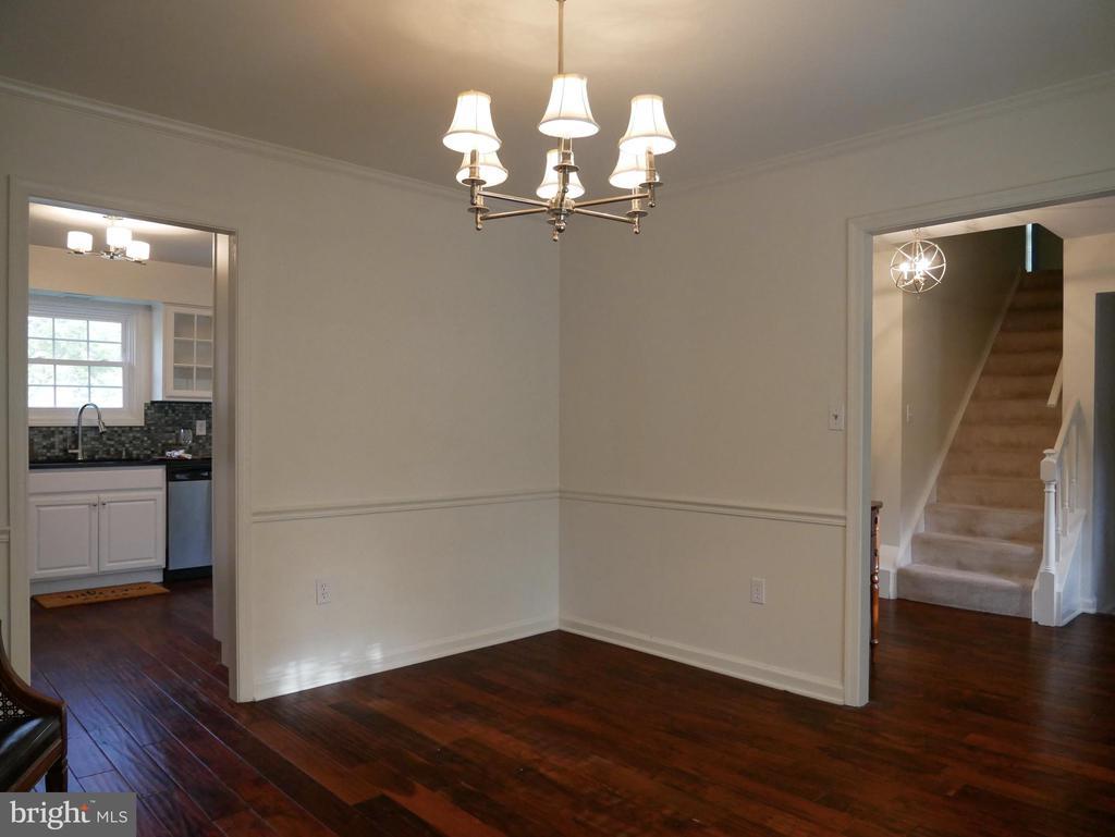Living Room to Kitchen - 604 POPLARWOOD PL, GAITHERSBURG