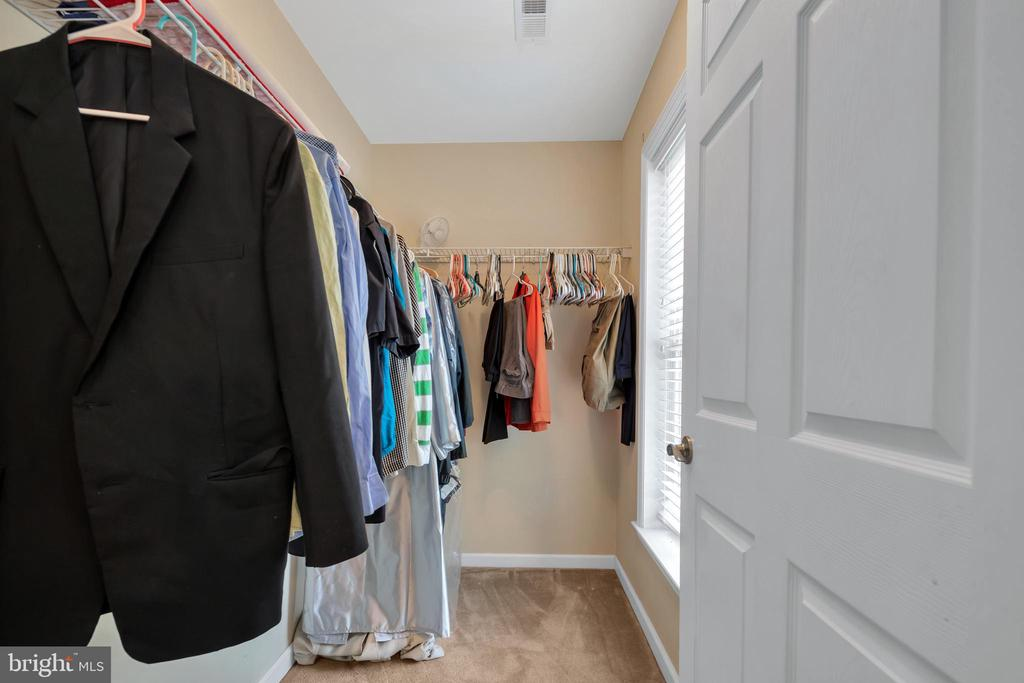 Large Walk in Closet in 2nd Bedroom - 41743 STUMPTOWN RD, LEESBURG