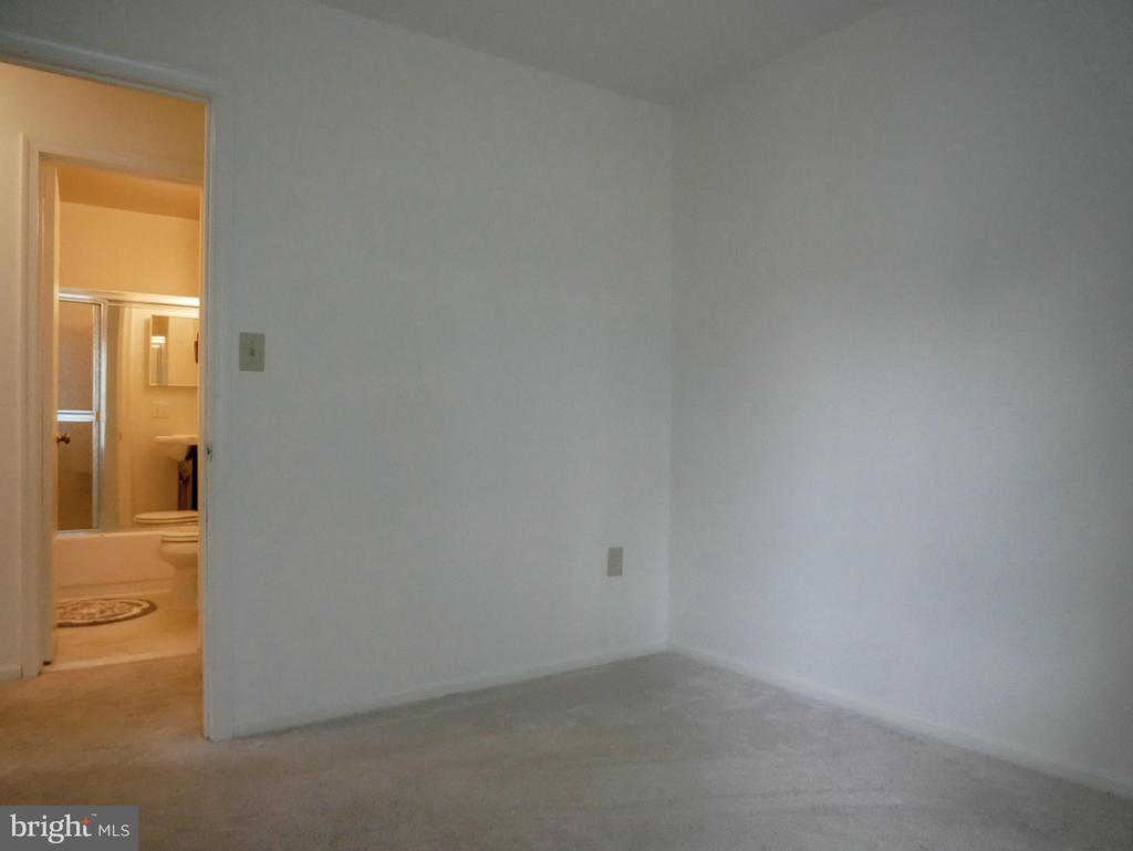 Bedroom 3 - 604 POPLARWOOD PL, GAITHERSBURG