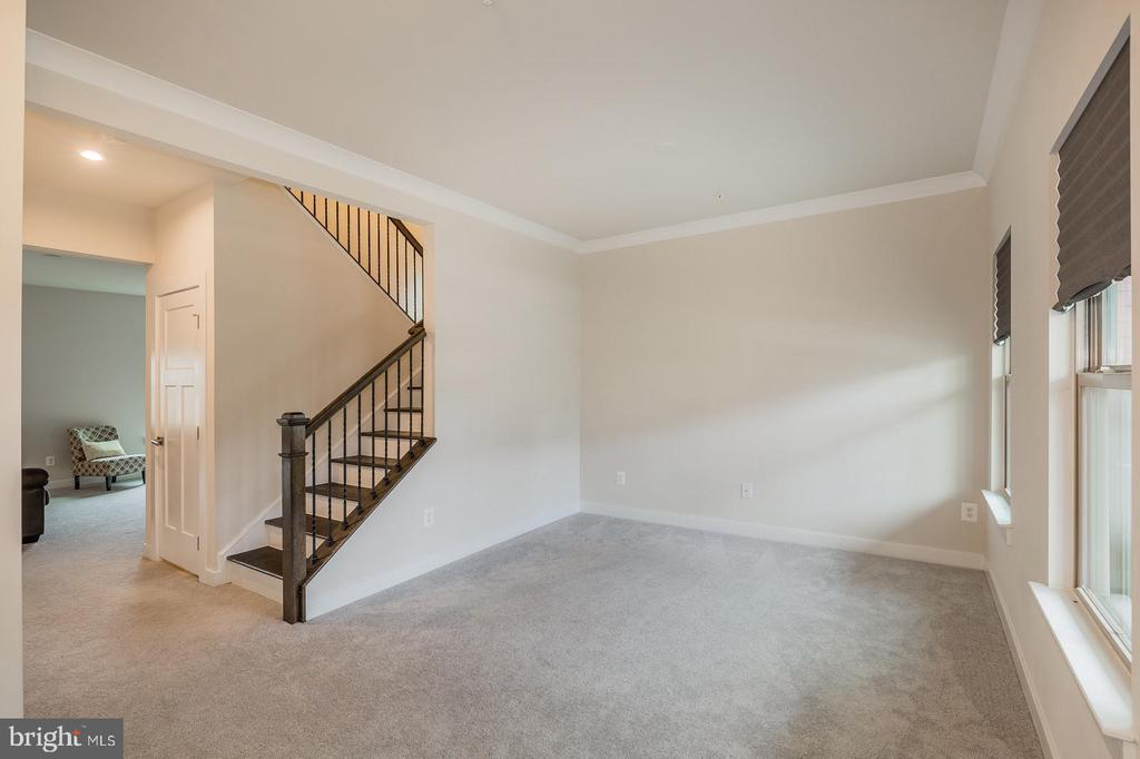 This is the living room ( or use as office) - 2283 RIVER BIRCH RD, DUMFRIES