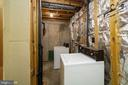 Large laundry room - 8461 SUGAR CREEK LN, SPRINGFIELD