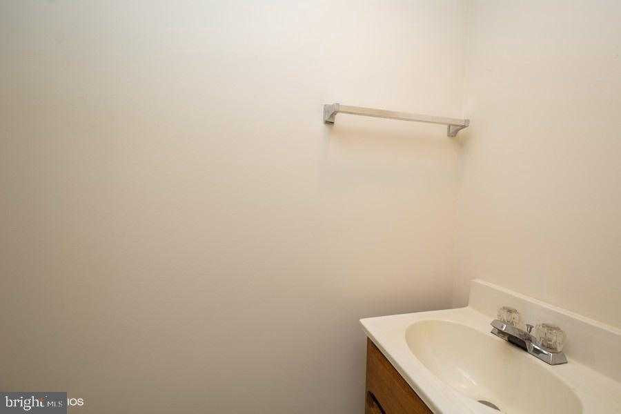 Half bath on lower level - 8461 SUGAR CREEK LN, SPRINGFIELD