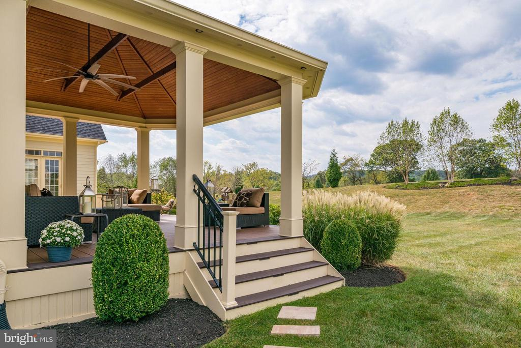 Incredible outdoor area that feels like a resort. - 19607 ABERLOUR LN, LEESBURG