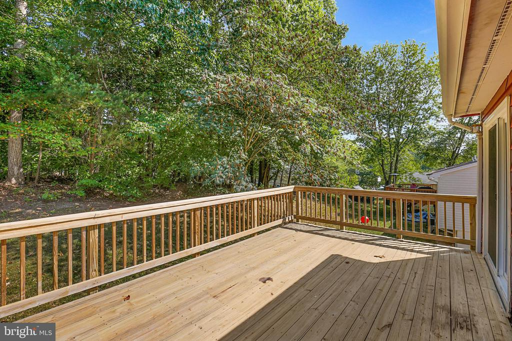 Deck for BBQs, container gardens  or coffee - 13227 NASSAU DR, WOODBRIDGE