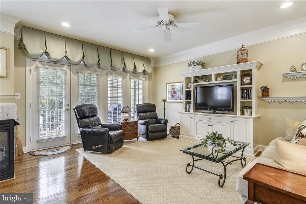 Family Room walkout to Deck - 43433 WILD DUNES SQ, LEESBURG