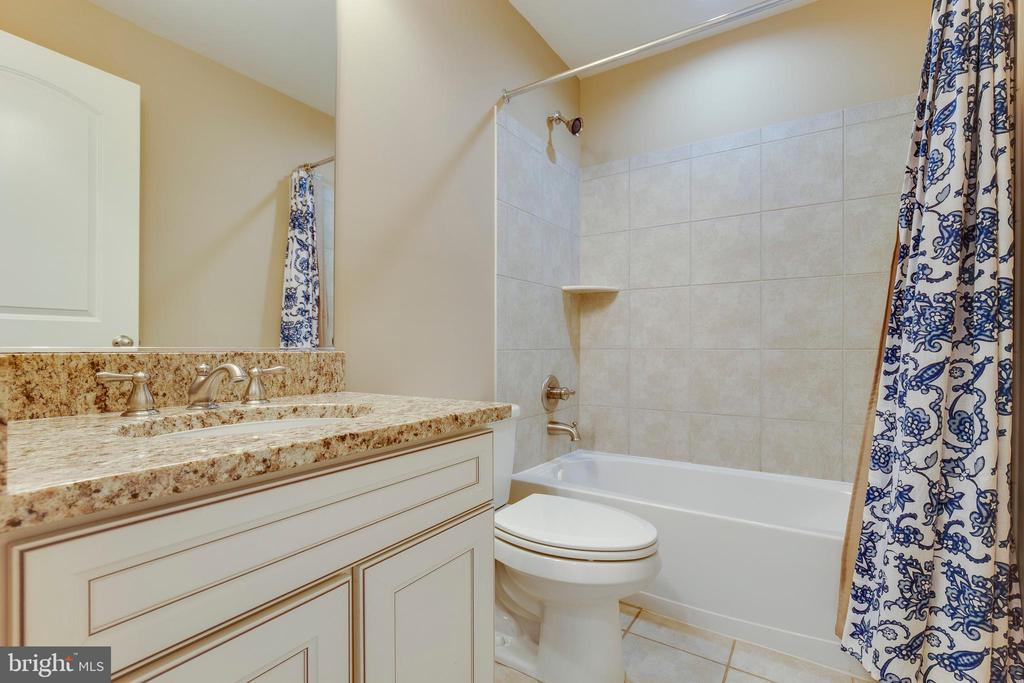 Basement Bathroom - 16350 BOATSWAIN CIR, WOODBRIDGE