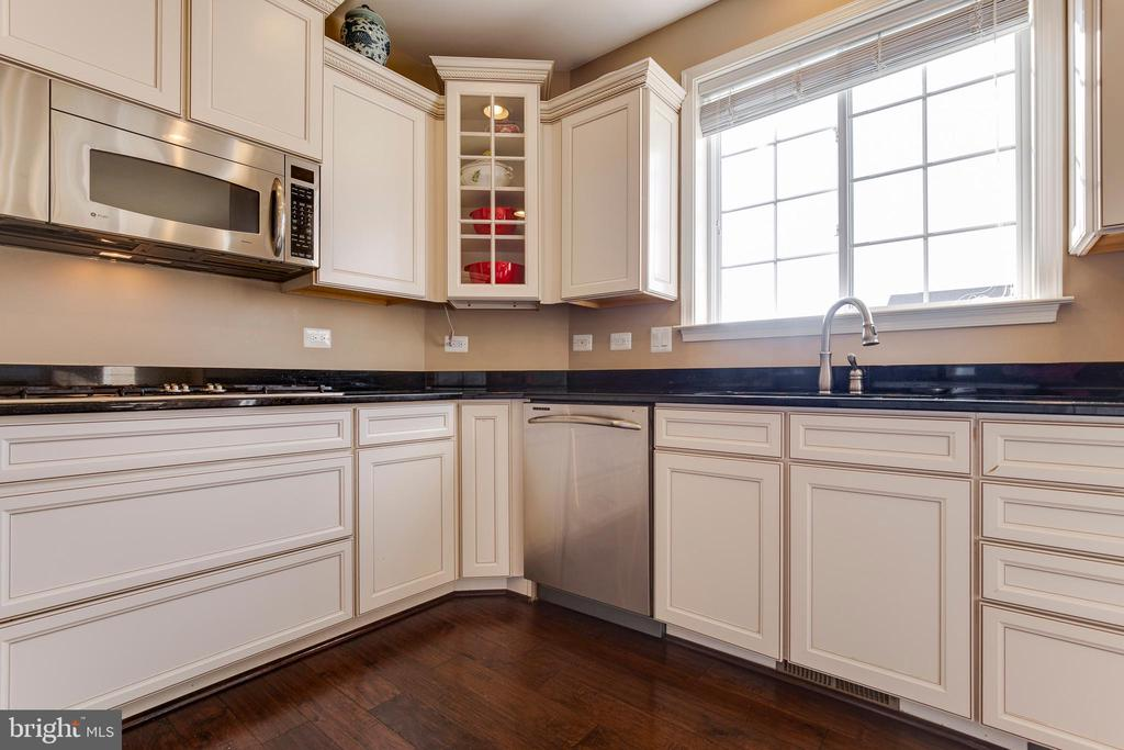 Kitchen - 16350 BOATSWAIN CIR, WOODBRIDGE