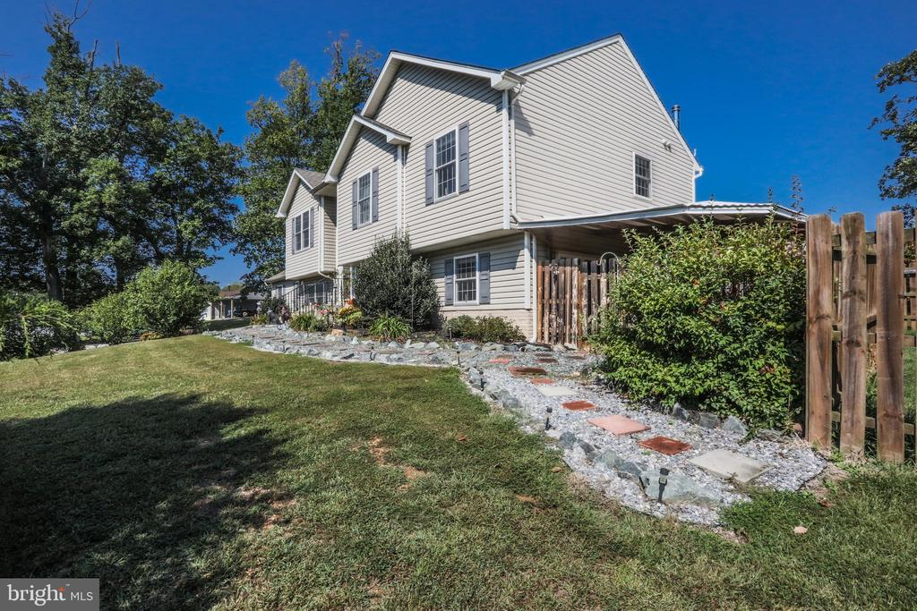 Lovely 2.11 acres - 1799 COURTHOUSE RD, STAFFORD