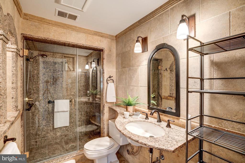 Full Bath - 3150 PROSPERITY AVE, FAIRFAX