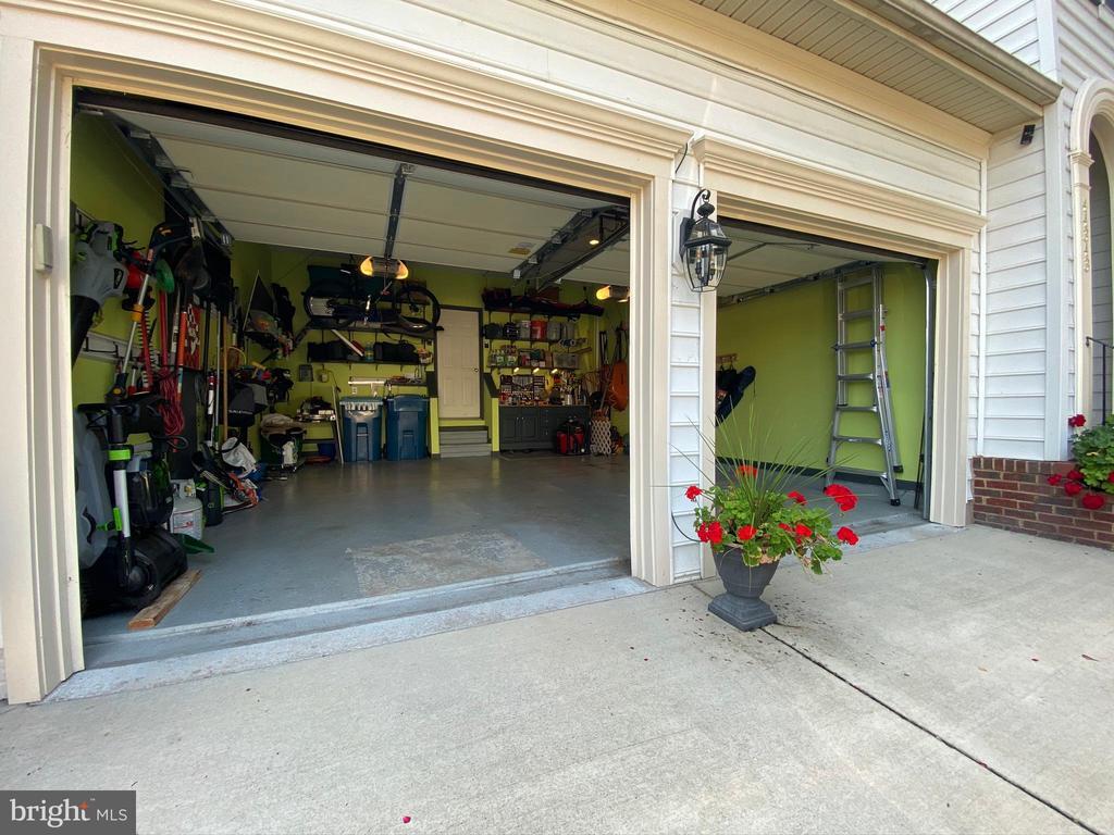 Garage - 44343 SILKWORTH TER, ASHBURN