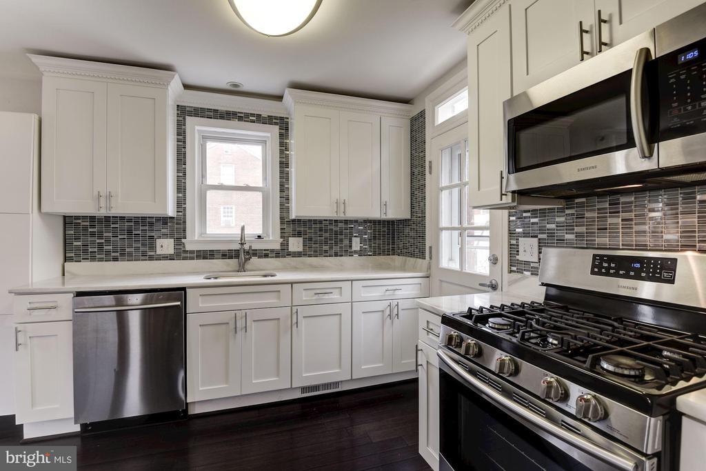 Kitchen with Samsung Stainless appliances - 2810 NEWTON ST NE, WASHINGTON