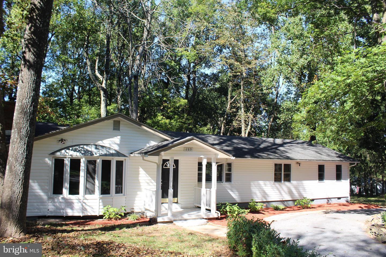 Single Family Homes 為 出售 在 Chester Gap, 弗吉尼亞州 22623 美國
