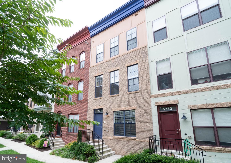 Single Family Homes للـ Sale في Hyattsville, Maryland 20781 United States