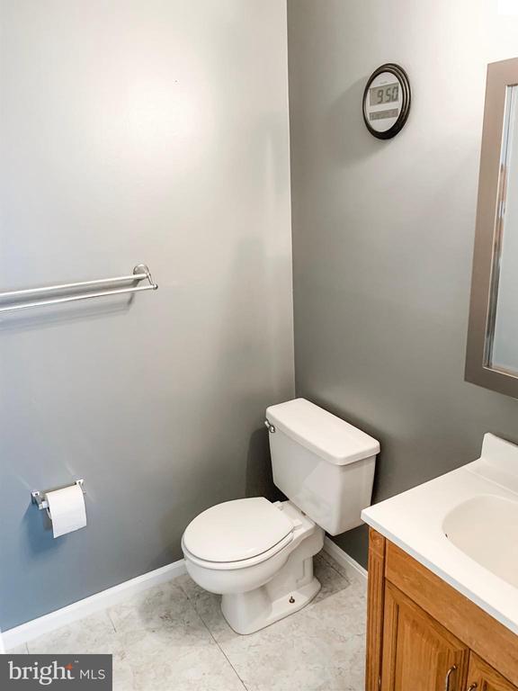 Master Bath - 8627 ANNA CT, MANASSAS PARK